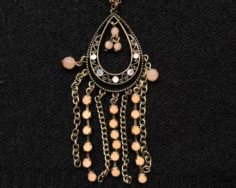 Pendant with beads and chains