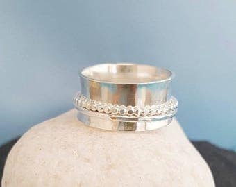 Silver Spinner Ring, Spinning ring, hammered beaded, Rolling meditation, spin ring, 925 silver, worry ring jewelry, Silver fidget ring, UK