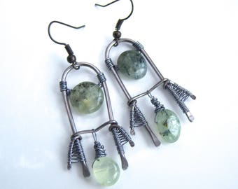 Earrings wire wrap with green prehenites