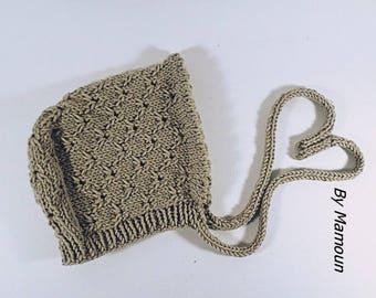Béguin bébé (3 mois) rétro vintage tricoté main au point de broderie anglaise mélange mérinos coton coloris beige ficelle