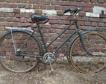 Vintage Triumph ladie's bicycle - Circa 1950
