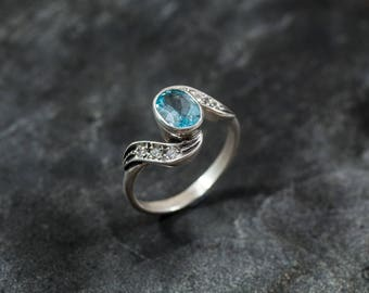 Blue Topaz Ring, Vintage Rings, Natural Topaz, Antique Topaz Ring, Blue Topaz, Blue Diamond, December Birthstone, Silver Ring, December Ring