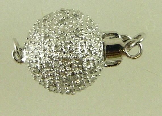 Diamond 0.35ct, 11.1 mm Clasp with 14k White Gold