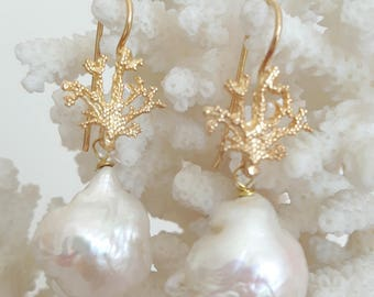 White Baroque pearls and coral earrings silver gilt