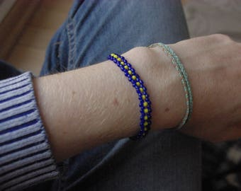 Blue and yellow glass beaded bracelet
