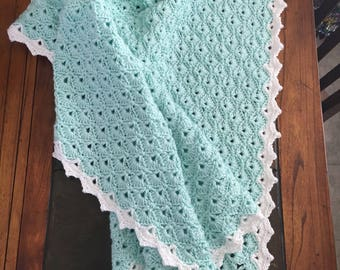 Vintage styled shell baby blanket