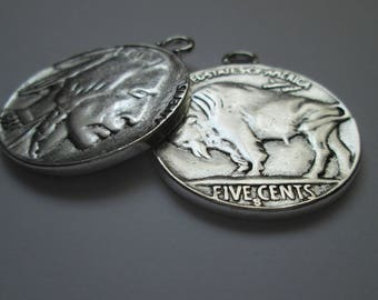 Indian buffalo pendant for chains 40 mm