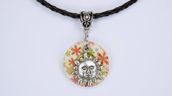 Necklace Flower button with silver-colored sun wood buttons on black ribbon art leather sunflower beige colorful Summer jewelry jewelry Boho
