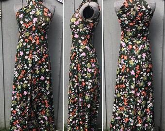 True Vintage High Neck, keyhole, A-Line Sleeveless, Floor-length Dress