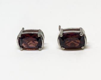 Sterling Silver Natural Garnet (2.50 ct) Earrings, Appraised 570 USD