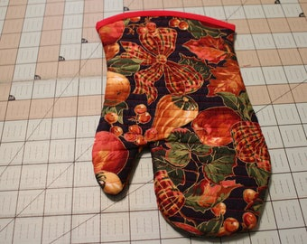 Handcrafted Quilted Insulated Oven Mitt, Christmas,