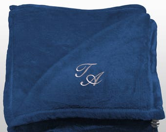 Personalized Multi-use Polar Sofa Bed Travel Fleece Blanket with Monogram - Ref. Dulcelina - Blue