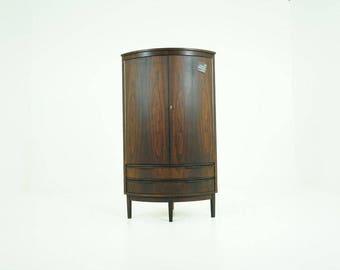309-046 Danish Mid-Century Modern Rosewood Corner Cabinet Cupboard Bar