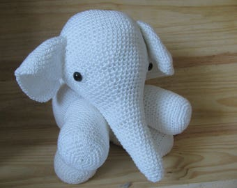 white elephant handmade in 100% cotton yarn