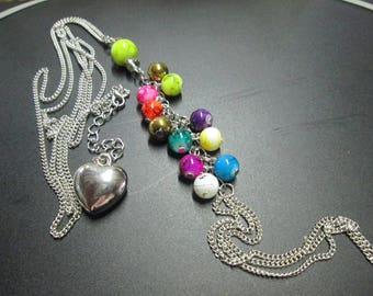 Silver and decorated with beads chain necklace