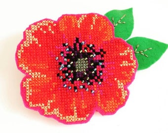 Poppy Flower Brooch - Cross Stitch Poppy Flower Brooch - Embroidered Felt Brooch - Gift for Her - Gift Under 50 - Gift With Poopy Flower