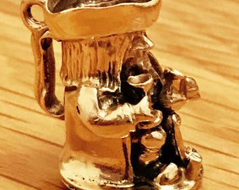 Stunning vintage heavy 9ct yellow gold Toby Jug charm - 1986