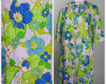 Clearance *** Fun Vintage Floral House Coat Robe