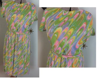 Vintage 1960s VOLUP pastel rainbow psychedelic swirl day dress 1X 233
