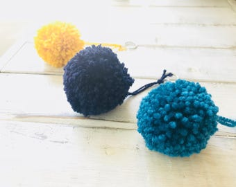 Pom pom keychain, keychain, gift idea, gift under 10, gift for her, pompoms