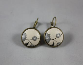 Earrings 'Laurette' flower Japanese 15mm