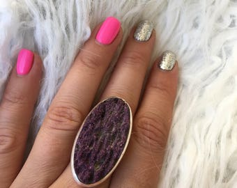 Violet color geode ring, from silver, silver ring, corrugated stone, amazing ring, from big stone geode, vintage, handmade, size-universal.