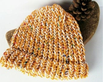 Yellow baby hat, baby shower gift, cosy baby hat, gift for baby, boy baby hat, toddler hats, baby gifts, baby hat, baby beanies, lelsloom