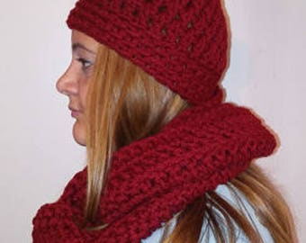 Crochet hat w/pom pom and scarf set (color:wine)