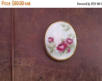 ON SALE Vintage Floral Brooch