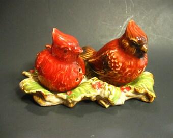 Red Cardinal Bird Salt Pepper Shaker Set