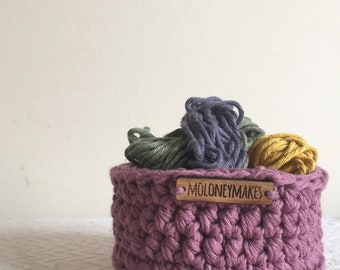 Small Dark Pink Crochet Basket // Desk Organiser // Storage Solution // Home Accessory