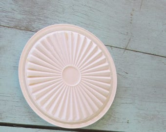 Vintage Tupperware white lid servalier tupperware 812 ((fits 811 container))