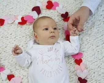 Valentine Baby Outfit - Valentine Baby Onesie - Valentines Sleepsuit -  Daddy Valentine Gift