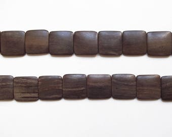 4 large 24 mm wooden square beads / high quality