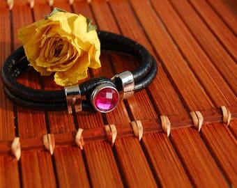 Pink leather mini snap bracelet