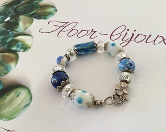 Pretty bracelet chic and elegant white blue beads for women