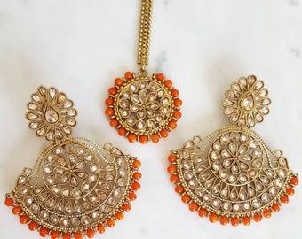 Orange Antique Gold Earring and Maang Tikka Set - Jewlery with Orange Accents, Indian Jewelry, Traditional Indian Wedding Tika, Orange Tikka