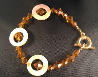Topaz Swarovski crystal and yellow shell bracelet 013