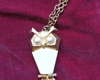 Vintage Lovely Owl Pendant Necklace