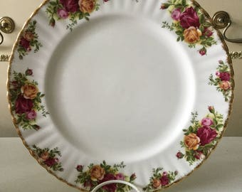 Royal Albert 1st Quality Old Country Roses Dinner Plate 1962 Backstamp