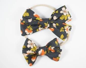 Sloane bow || Peachy keen