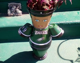 Miss Philadelphia Eagle's flower pot Diva!