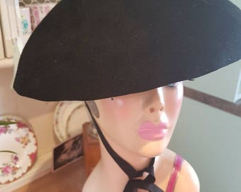 1950s could be 40s black wool felt hat