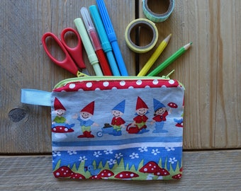 Pouch with gnomes