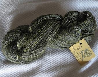 Merino yarn with soy and bamboo fibers, green, knitting wool, hand spun yarn, hand spun, wool yarn, art yarn, wool, dyed yarn, 100 g, 3.5 oz
