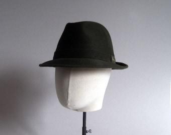 Waterproof Barbisio trilby. 1980s. Dark green. Pinched center dent hat. Men hat. Italian hat. Original vintage. Antique