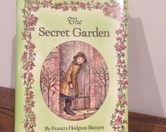 The Secret Garden By Frances Hodgson Burnett/Illustrated by Tasha Tudor