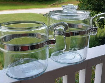 Pair of 6 and 9 cup Pyrex Flameware Coffee Pots