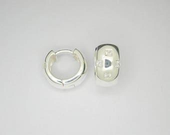 Huggie earring sterling silver