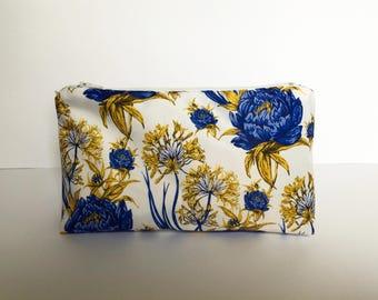 Small Waterproof Floral Washbag